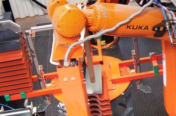 Din 2017 folosim tehnologia robotică în fabricile noastre